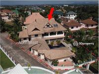 ขาย - ขายบ้านพร้อมเฟอร์นิเจอร์มีสระว่ายน้ำขนาดใหญ่และเรือนรับรอง