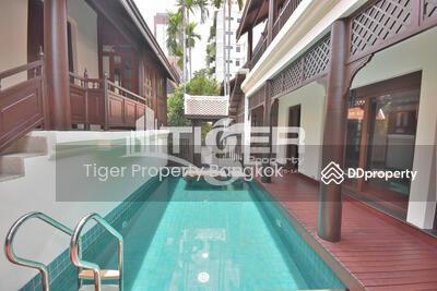 ให้เช่า - ให้เช่าบ้านหรูไทยโมเดิร์น 3 ห้องนอน 3 ห้องน้ำ 2ชั้น ในซอยสุขุมวิท 42 มีสระว่ายน้ำส่วนตัว ภายในบ้านตกแต่งเรียบหรู พื้นที่ขนาด 400 ตรม.  ใกล้สถานีบีทีเอสเอกมัย