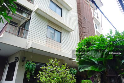 For Sale - For Sale Apartment in the heart of CBD Sathorn 2, 080 Sqm2 Sathorn Bangkok