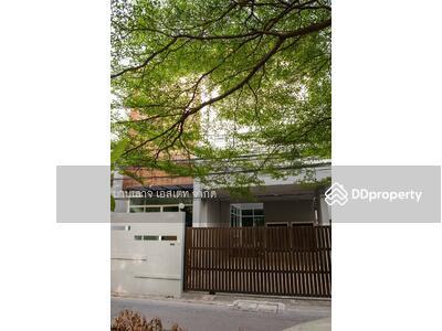 ขาย - ขายบ้านเดี่ยว 3ชั้น ซอย สุขุมวิท 49 ขนาด 51 ตารางวา หน้ากว้าง 9. 5เมตร 3 ห้องนอน 3 ห้องน้ำ  BTS พร้อมพงษ์