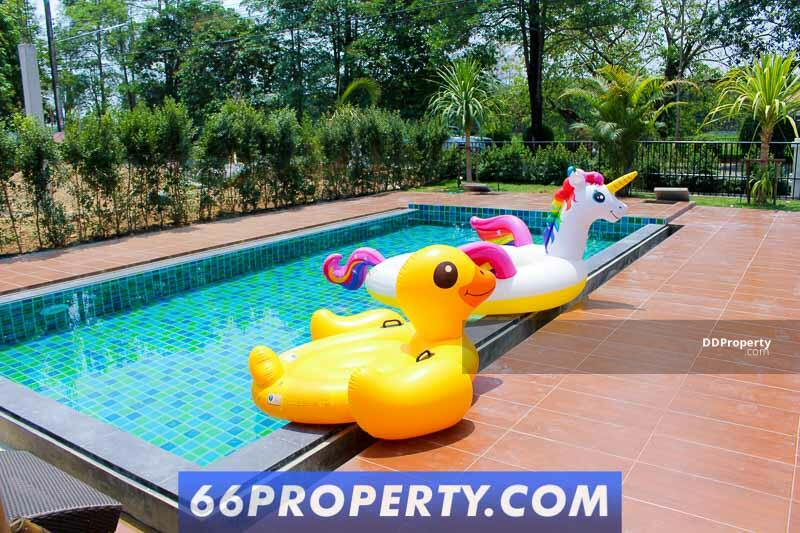5 Bedroom Pool Villa with the Lake view for Rent in Nong Chom, San Sai. #85485104