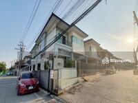 ขาย - บ้านแฝด ใกล้โรงไฟฟ้าบางกรวย หลังมุม 32. 2 ตรว. 3 ห้องนอน ตกแต่งแล้ว