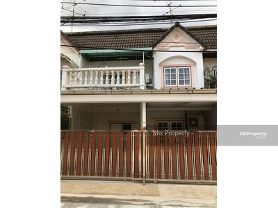 For Rent - Big townhouse for rent at udomsuk 51