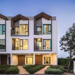 ขาย ทาวน์โฮม ใหม่ 3 ชั้น 4 ห้องนอน 3 ห้องนํ้า ขนาด 23. 4 ตารางวา 169 ตารางเมตร จอดรถได้ 2 คัน