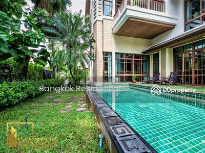 ขาย - 4 Bed Detached House in Compound For Sale in Phra Khanong BR27788SH