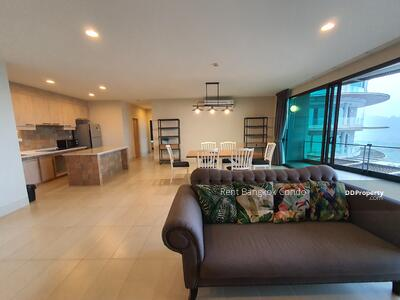 For Rent - Spacious 2 Bedrooms with Panoramic Mountain View