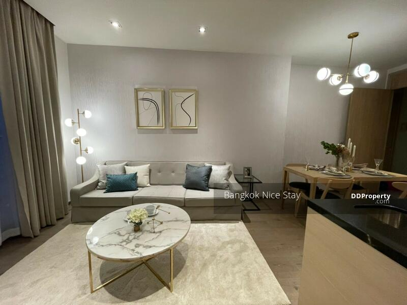 Living Area (ห้องนั่งเล่น)