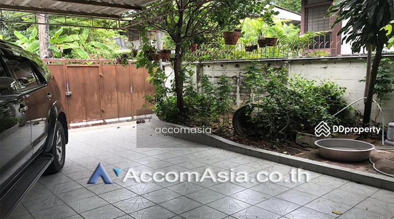 A Single 2 Storey House on 100 sq.w. Available For Sale On Ekkamai Location (AA25650) #85829168