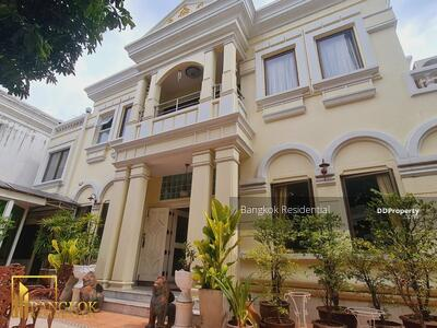 ให้เช่า - 4 Bed Single House Thong Lo For Rent BR8436SH