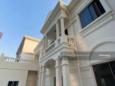 For Rent - Notify the KRE-B550 codes, a large single house, Sukhumvit 36, 4 bedrooms, 6 bathrooms, use 350 square meters, 2 floors, rent 150, 000 baht @line: 0949131629 Khun Tyne