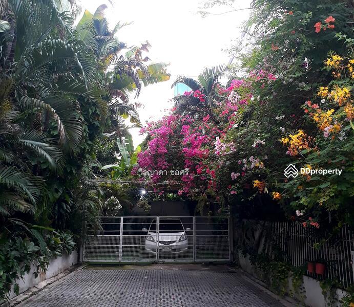 บ้านสวยตกแต่งโมเดิร์นพร้อมอยู่ ติดถนนนวมินทร์ #85913032