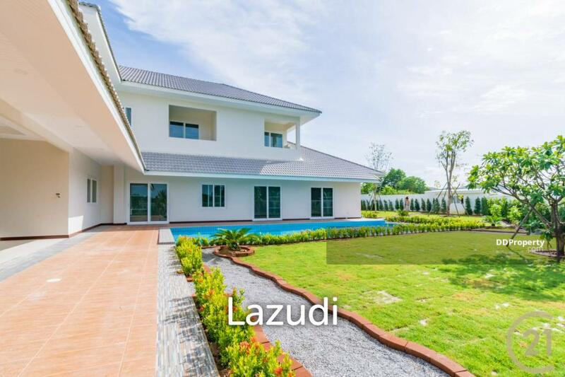 Lazudi THE LEES 3 : Brand New 5 Bed Pool Villa with additional 1 Bed Maids Quarters.