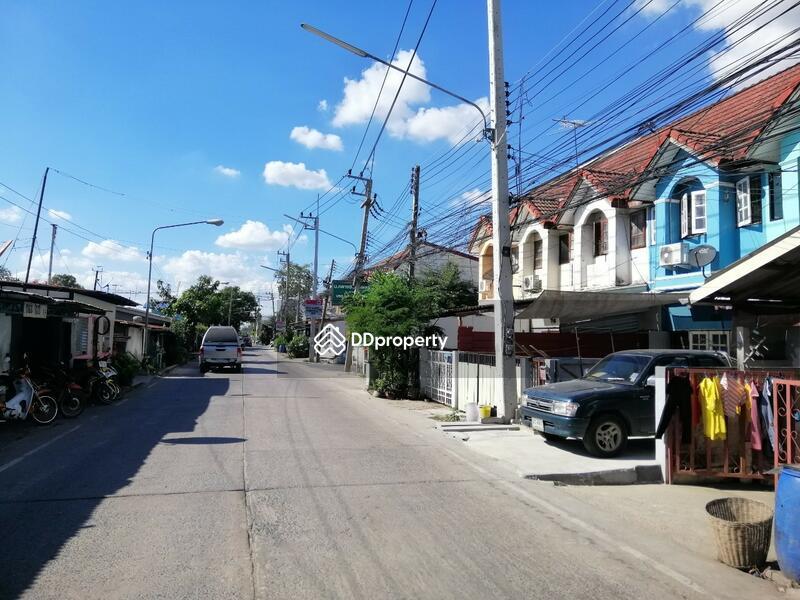 หมู่บ้าน กลางซอย วิลเลจ 2 #86540412