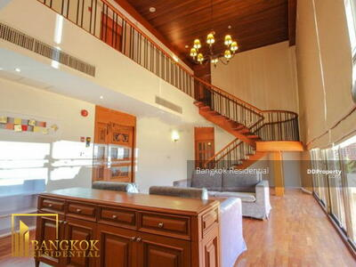 ให้เช่า - 3 Bed Apartment Duplex Penthouse For Rent in Silom BR0740AP
