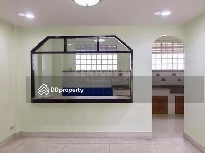 ให้เช่า - ให้เช่า ทาวน์เฮ้าส์ 4 ห้องนอน ใกล้สถานี Lat Phrao MSP-32587