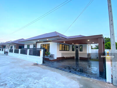For Sale - CE0315 House for sale with 2 bedrooms, 2 toilets. The price is at THB  2, 434, 000 baht.