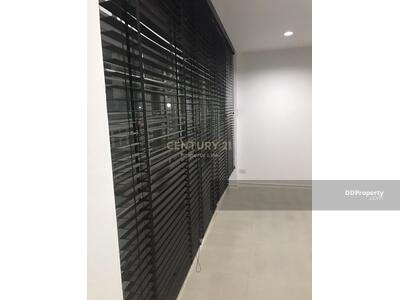 For Rent - Six Bed House for Rent in Huai Khwang MSP-33828