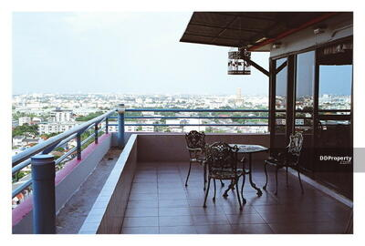 For Rent - Roomy 3-BR Condo at Ratchada Pavilion Condominium near BTS Ha Yaek Lat Phrao (ID 384490)