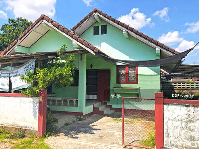 For Rent - 5AD0652 Detached house for rent. There are 2 bedrooms and 1 bathroom.  The area size is 60 sq. wa. Near the city.