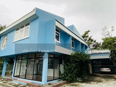 ให้เช่า - เช่าบ้านเดี่ยว 2 ชั้น  ซอย ลาดพร้าว 30  ขนาด 300 ตรม 4 ห้องนอน 2 ห้องน้ำ  มีที่จอดรถและห้องแม่บ้าน MRT ลาดพร้าว
