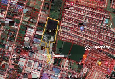 For Sale - Land for sale , on Cha loem Phrakiat 9 Road. Can build a village, area 11-1-25 rai, near the Bangkok-Chonburi motorway