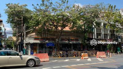 ให้เช่า - RENT :: ให้เช่าพื้นที่ทำการค้าทำเลทองริมถนนสีลม ซอยปราโมทย์ #WR128
