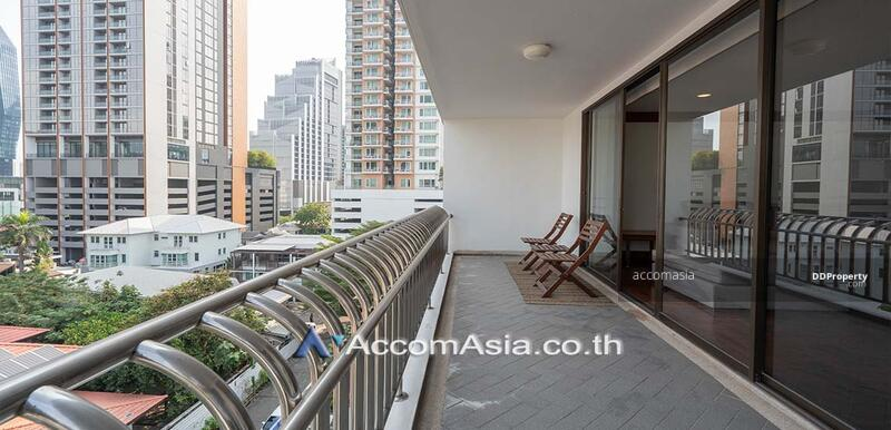 A fusion of contemporary Apartment 4 Bedroom For Rent BTS Phrom Phong in Sukhumvit Bangkok ( 10301 ) #87087966