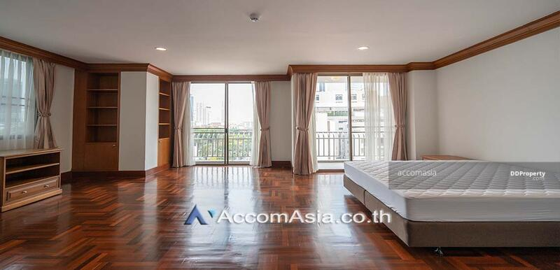 A fusion of contemporary Apartment 4 Bedroom For Rent BTS Phrom Phong in Sukhumvit Bangkok ( 10301 ) #87087974
