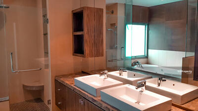 For Rent - Spacious 4-BR Condo at Royal Residence Park near BTS Phloen Chit (ID 391960)