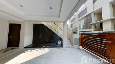 For Rent - 3 Bedroom House for rent in Khlong Tan Nuea, Bangkok