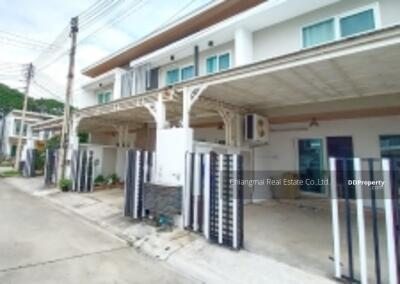 For Rent - R0586 Two-story townhome for Sale / Rent  (in the project), fully furnished, 2. 3 km from Airport Plaza Chiang Mai.