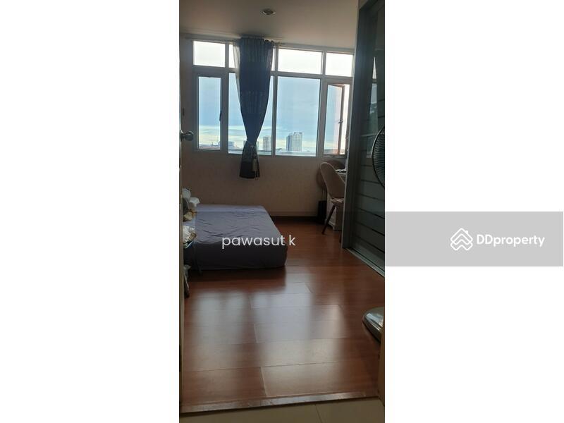 The log@Sukhumvit101/1 condominium #87375060
