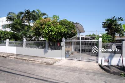 ขาย - ขายบ้านเดี่ยว ในหมู่บ้านมิตรภาพ 1  ซอยอ่อนนุช 46  ถนนสุขุมวิท 77 กรุงเทพฯ  พื้นที่ 100 ตร. วา, 7, 900, 000 บาท  House for sale in Soi Onnut 46, Sukhumvit 77 Road, Bangkok. 100 sq. wah, 7, 900, 000 Baht