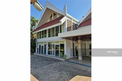 ให้เช่า - (920071053-243) House suitable for office or live in Ekkamai 22