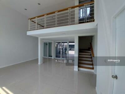 For Sale - Three Bed Townhouse for Sale near Lat Phrao station MSP-35076
