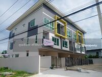 ขาย - ขายเหมาโครงการทาวน์โฮม 3 ชั้น 8 คูหา บนพื้นที่ 270. 50 ตรว. (ใจกลางหมู่บ้านเมืองเอก) ปทุมธานี