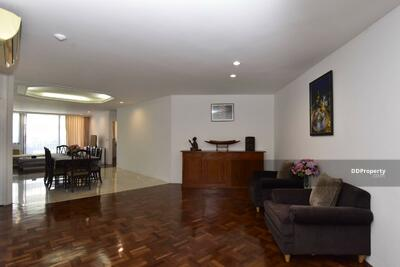 For Rent - Large 3-BR Condo at Trinity Complex near BTS Chong Nonsi (ID 458786)