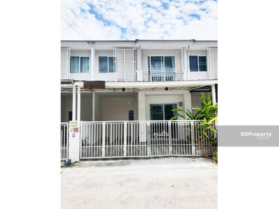 For Sale - C8MG100280 Two-storey townhouse for sale with 3 bedrooms and 2 bathrooms. The area size is 18 sq. wa.