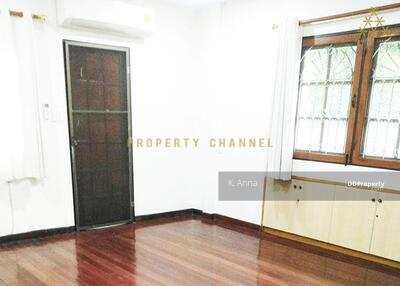 For Rent - (S-H156) 3 BR HOUSE WITH PRIVATE SWIMMING POOL IN ASOK FOR RENT