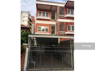 For Rent - Townhome for rent, Ladprao 29, near MRT Lat Phrao, suitable for living, spacious/52-TH-64084