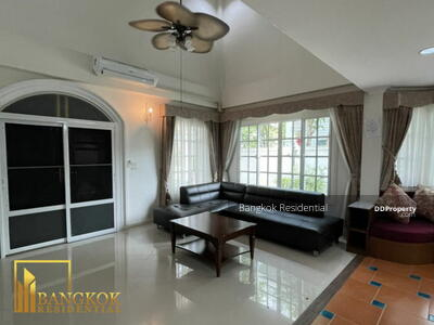 For Rent - 3 Bed Detached House in Compound For Rent in Bearing BR27619SH