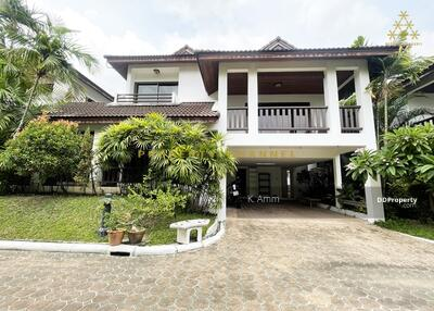 For Rent - (S-H169) PERFECT FOR FAMILY 4 BR HOUSE IN THONG LO FOR RENT