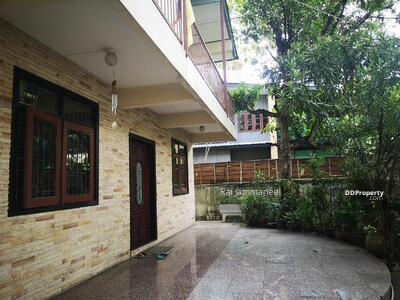 For Sale - House anad Land (97sqw) in Thong Lo-Ekkamai FOR SALE