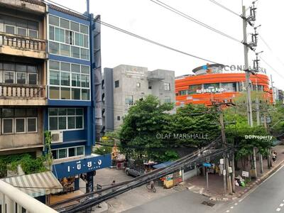 For Sale - Best investment deal! , 4-storey commercial building, corner unit, 4bed 4bath, next to  BTS Pasicharoen only 50m. @ soi Petchakasem 33/8, @13. 95 MB (Full price 15 MB, Market price 17 MB))