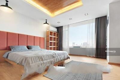 For Rent - Premium 2-BR Condo at Chamchuri Residence near BTS Sala Daeng (ID 490970)