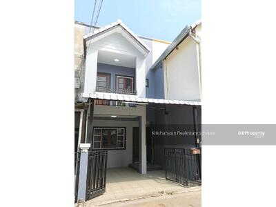 For Sale - Notify the code KRE-X6222 Townhouse near Montfort School, 2 bedrooms, 2 bathrooms, 17 square wah, 2 floors, selling 1, 680, 000 baht **** If not answered, please add Line 0962215326 Khun On****