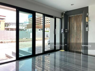 For Sale - Apartment for sale Huaykhwang size 56 rooms with restaurant and car park Fully Furnished Call Now