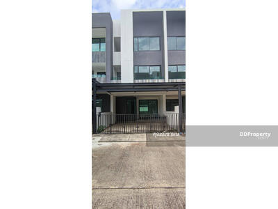 For Rent - AO1282 - Townhouse for rent with 3 bedrooms, 4 bathrooms and 1 kitchen. - Utility space in 23. 4 sq. w. Only 10-15 minutes into the town.