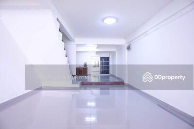 For Sale - 6408-389 Commercial building for sale, Serithai, Khlong Kum, 4 bedroom