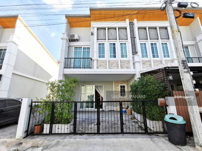 For Rent - Townhome for rent 4 Bedroom Golden Town Bangna-Suanluang 19900 THB/month Near MEGA Bangna